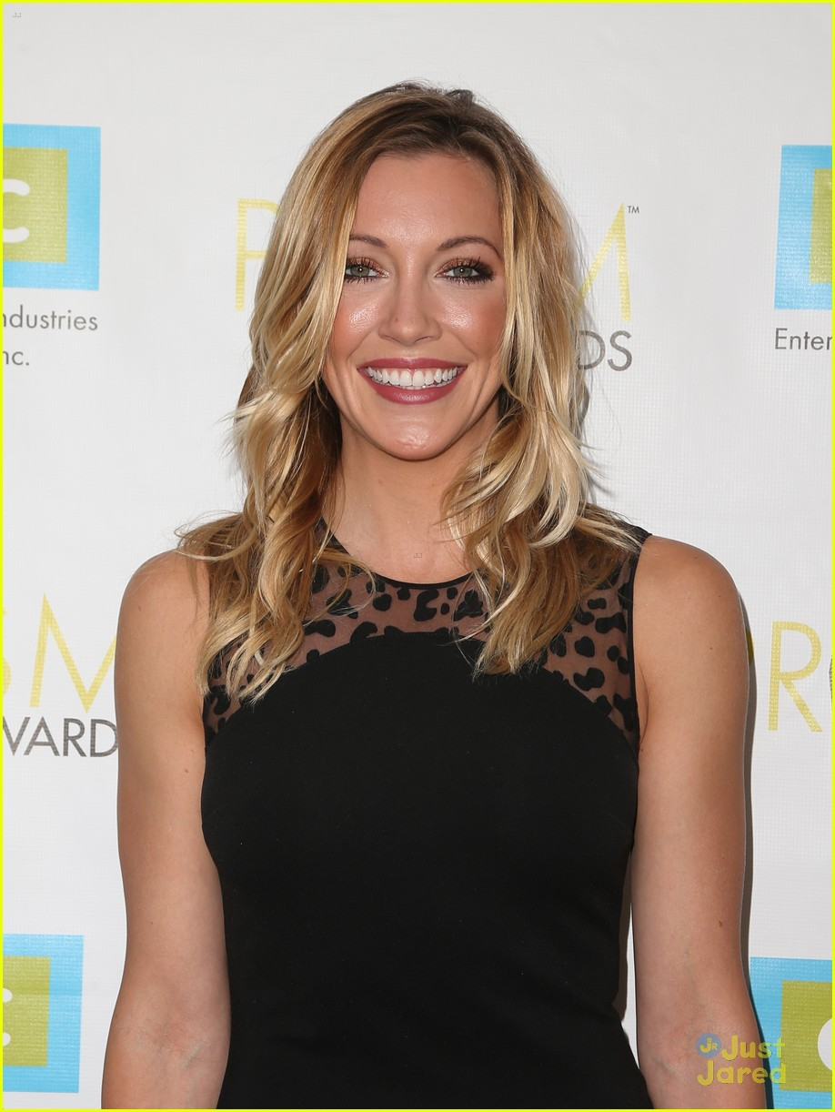 katie cassidy prism awards los angeles win 09