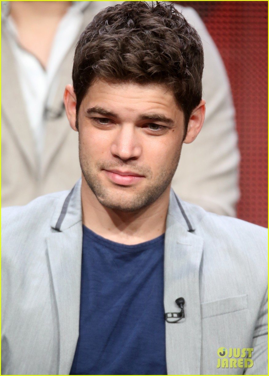 jeremy jordan beauty and the beast