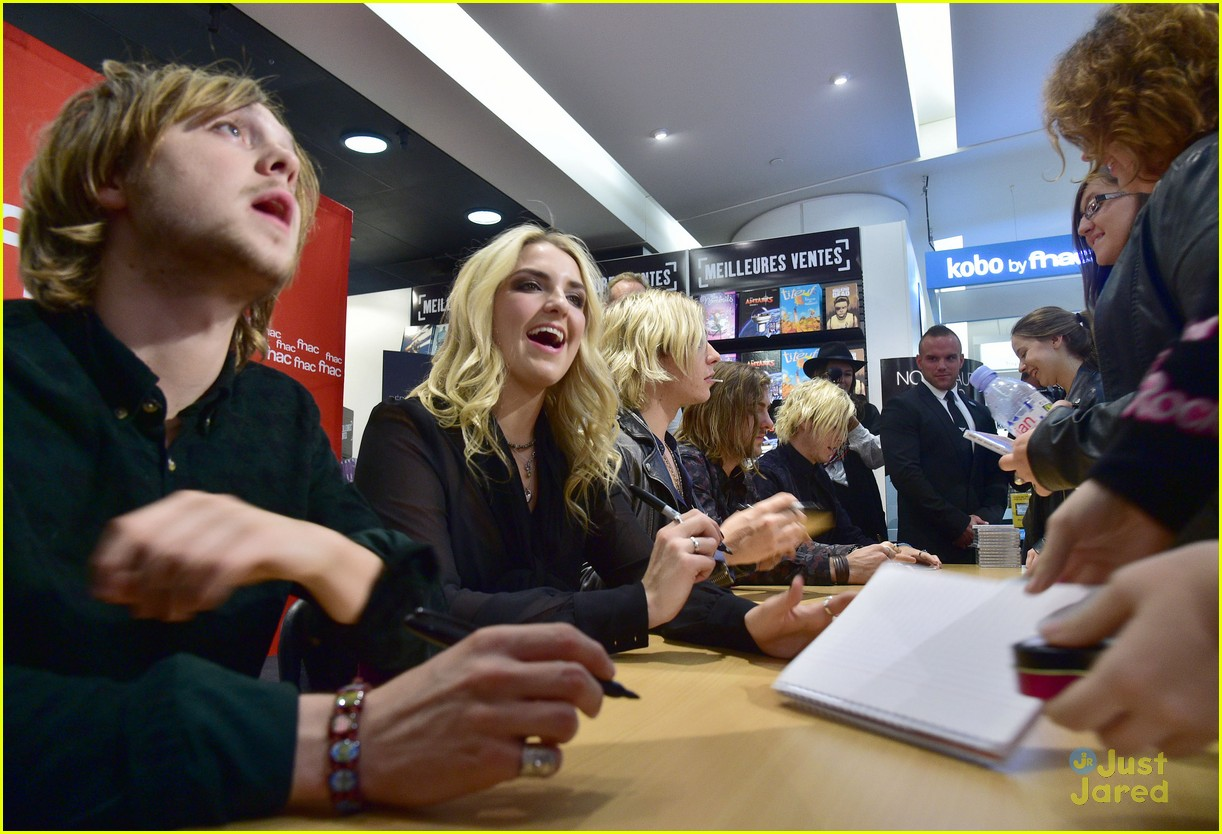 r5 meet greet sometime last night tour paris 04
