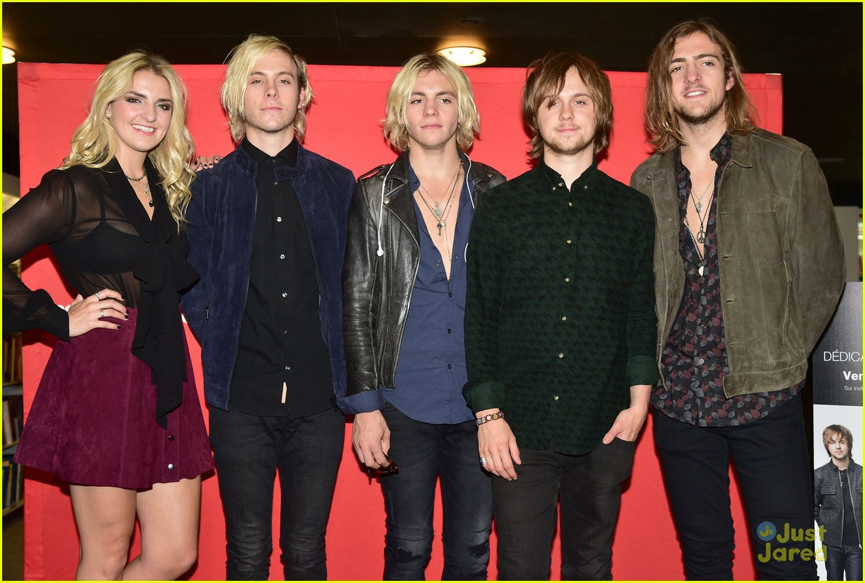 r5 meet greet sometime last night tour paris 11