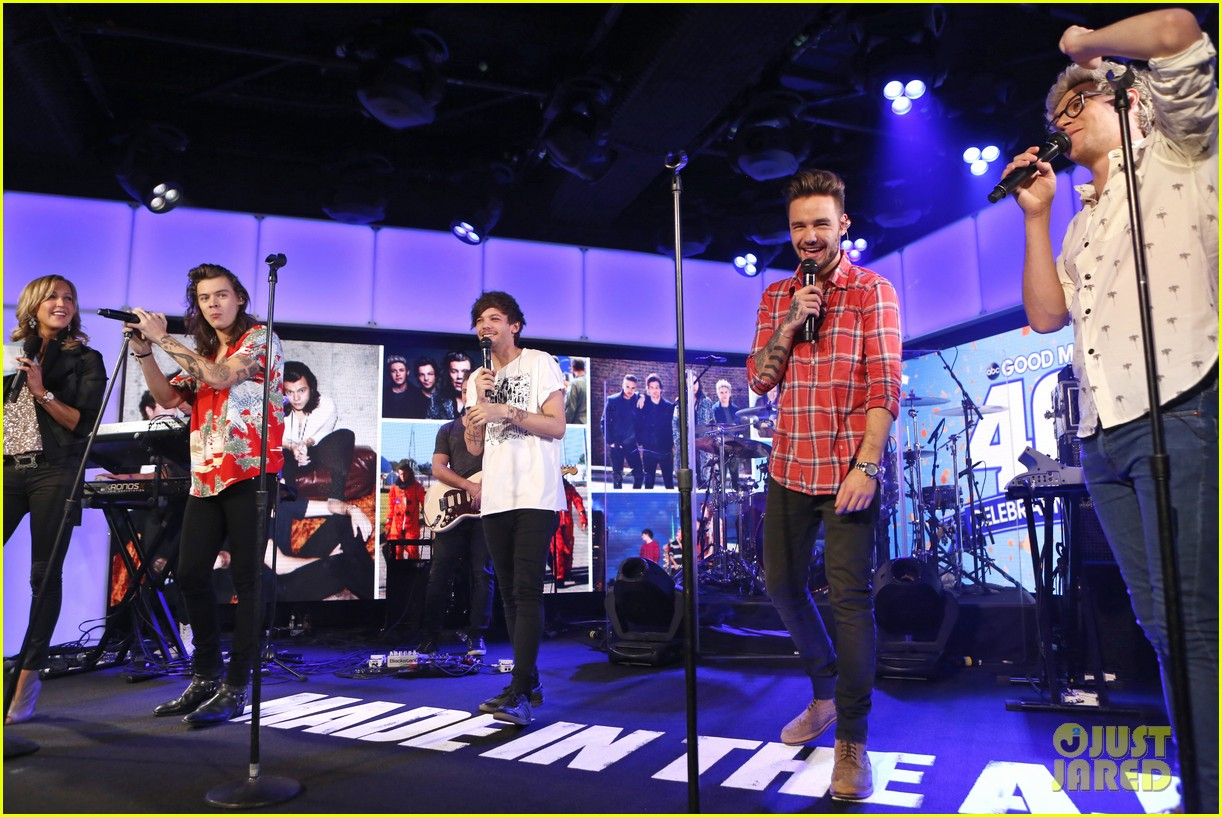 Good Morning America Performances : One direction performs four songs on good morning america