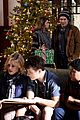 Modfam-christmas andy invited family christmas haley modern family stills 05