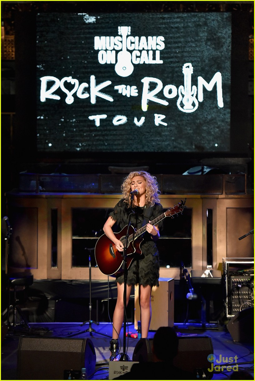 sabrina carpenter becky g tori rachel on call rock tour 02