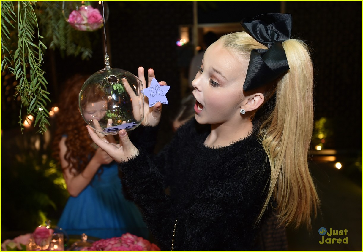 maddie ziegler dance moms jjj star darlings dinner 19