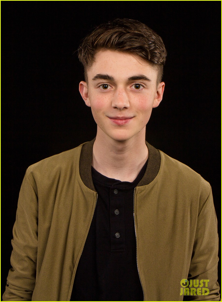 greyson chance greyson chance promotes his new single hit ...
