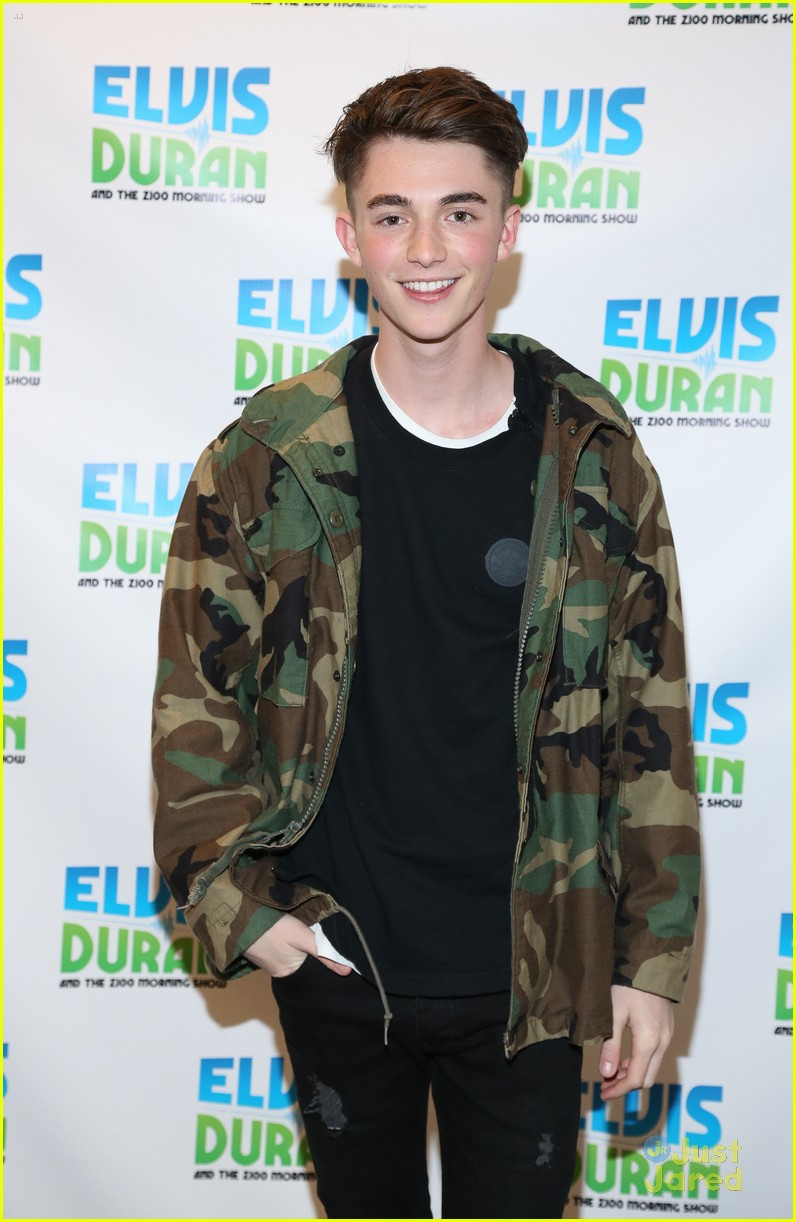 greyson chance elvis duran show oceans collaboration 06