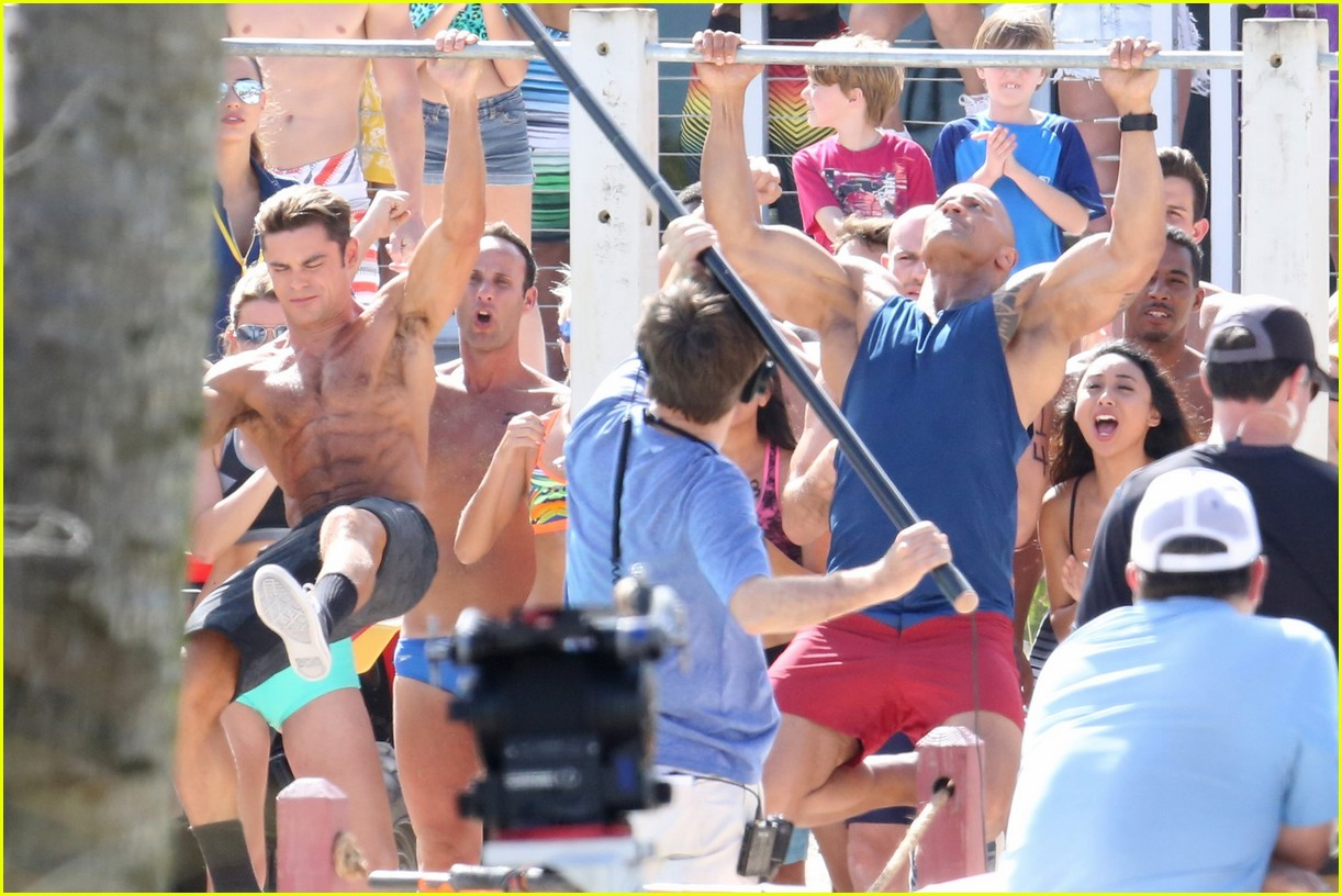 zac efron pull up contest baywatch 28