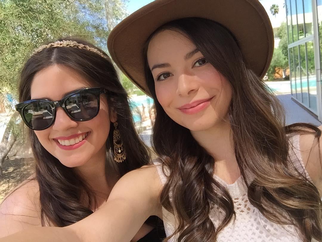 Miranda Cosgrove and Jennette McCurdy