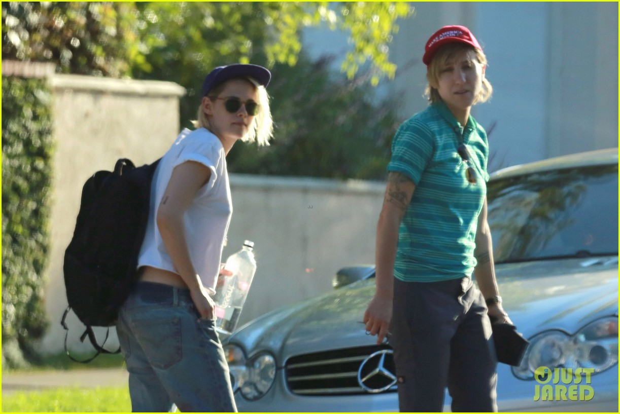 Kristen Stewart Gay - ...