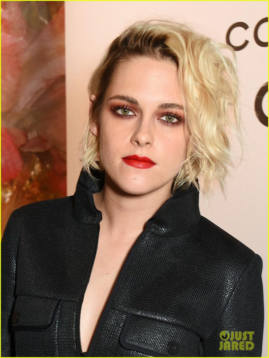 Kristen Lip Kit Matte Liquid Lipstick: Kristen Stewart Sports Bold Red Lip With Her Black Outfit