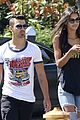 Joe-juliana joe jonas grabs lunch with model pal juliana herz 04