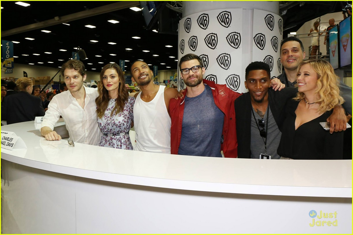 originals fan signing ahead panel comic con 03