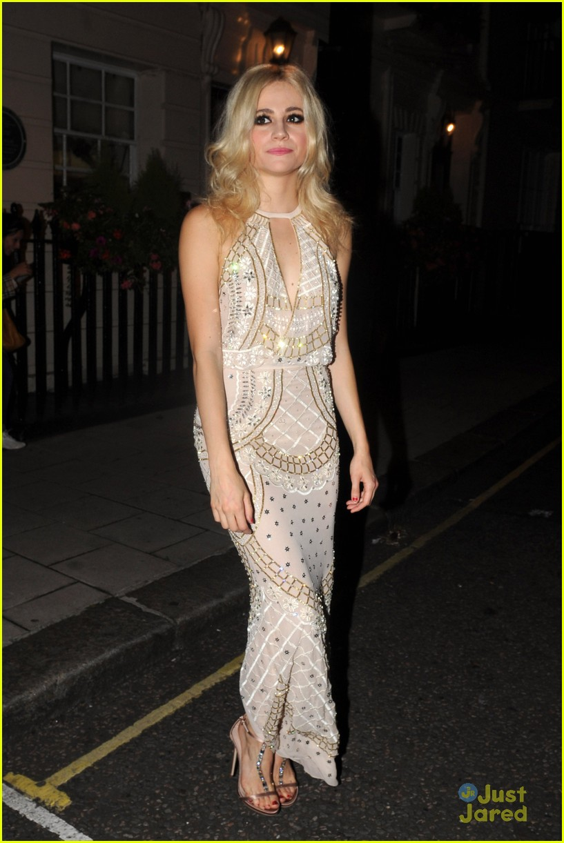 pixie lott oliver cheshire gq men year awards 02