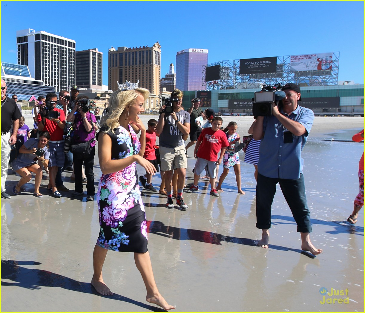 miss america savvy shields esb stop caesars beach 01