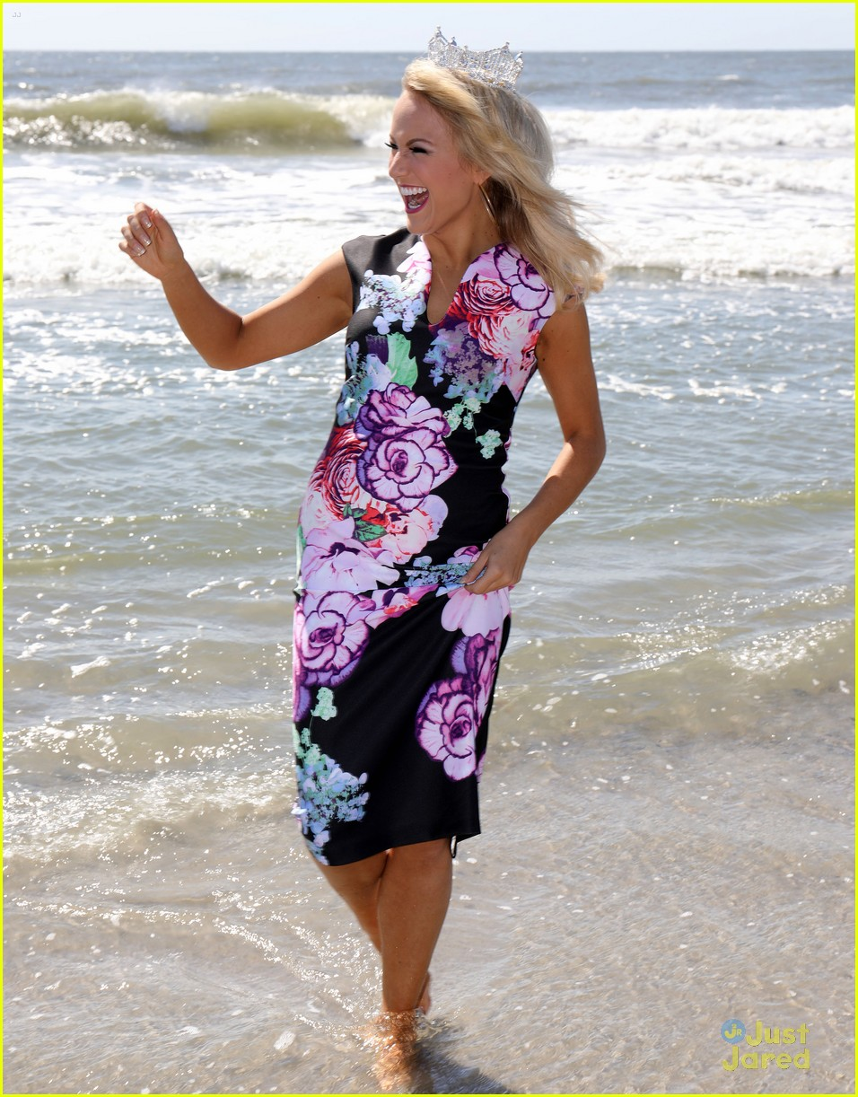 miss america savvy shields esb stop caesars beach 04