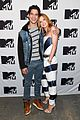 Thorne-spotted bella thorne tyler posey spotted kissing holding hands 01