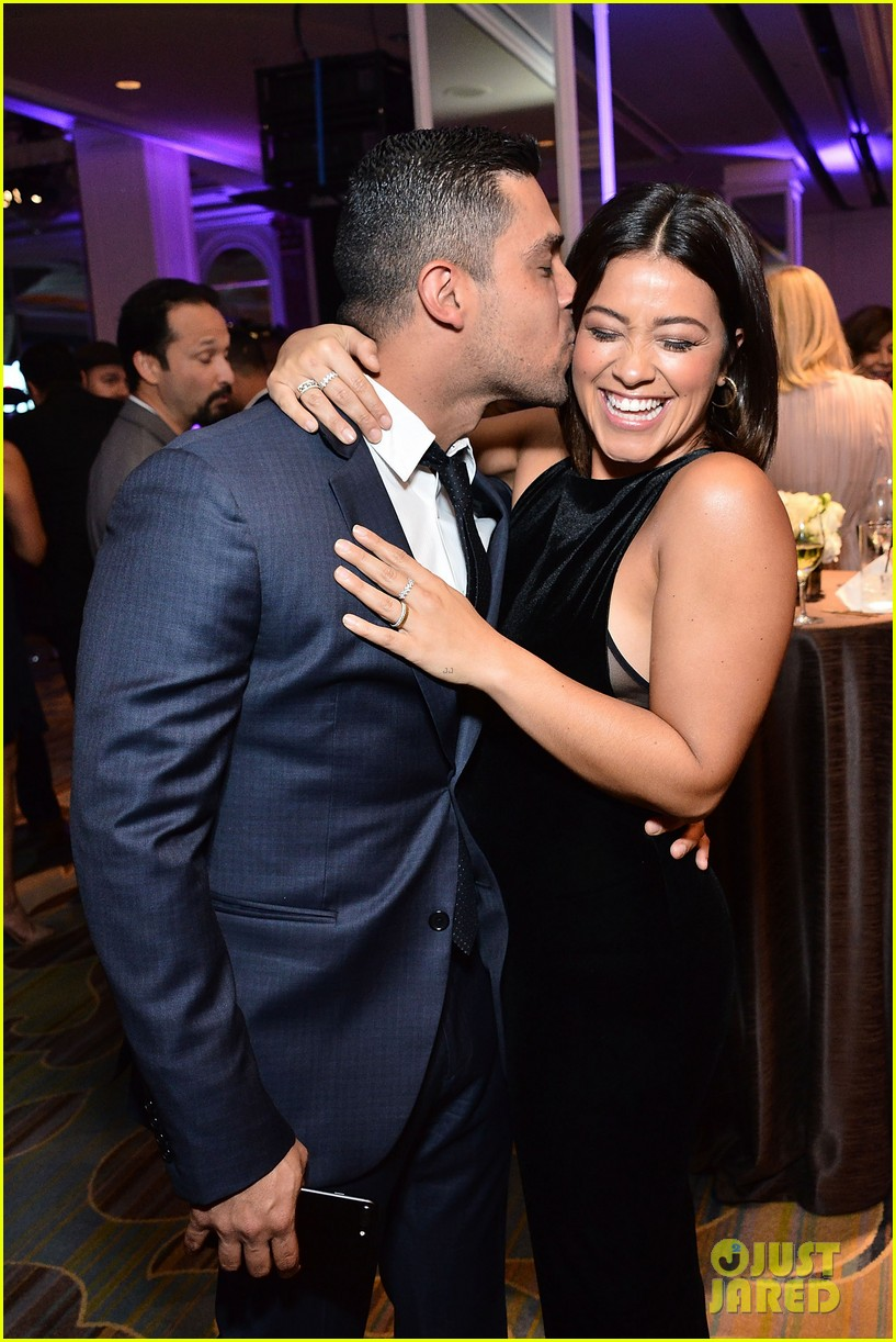 gina rodriguez wilmer valderrama plaey center tribute to hispanic achievements 02