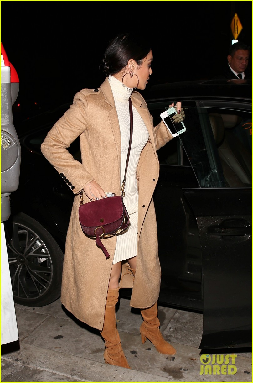 vanessa hudgens austin butler step out for date night 12