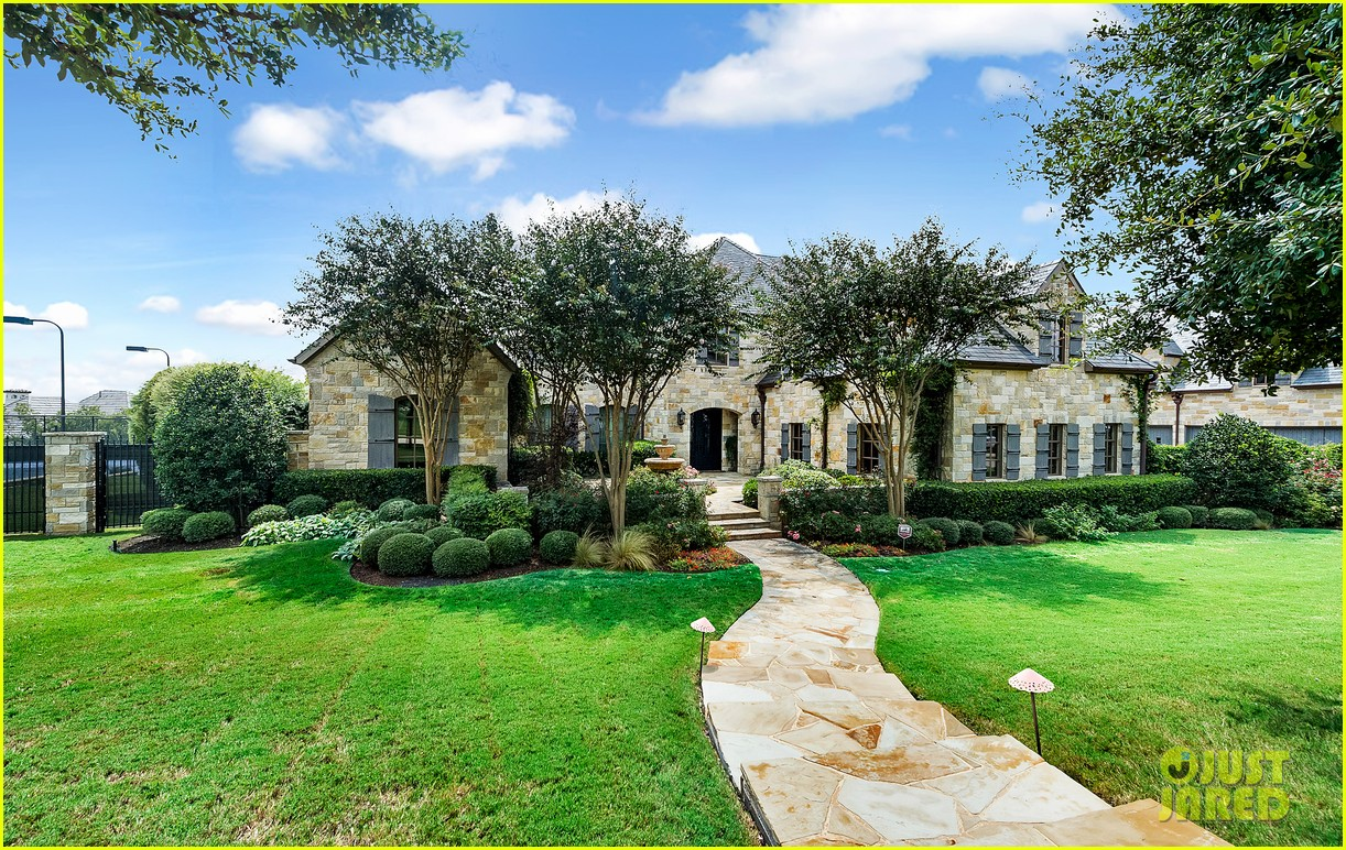 Go inside selena gomez 39 s texas dream home photo 1070877 for Dream house photo gallery