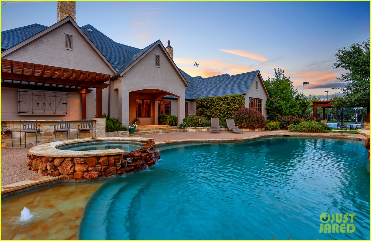 Go inside selena gomez 39 s texas dream home photo 1070881 for Dream house photo gallery