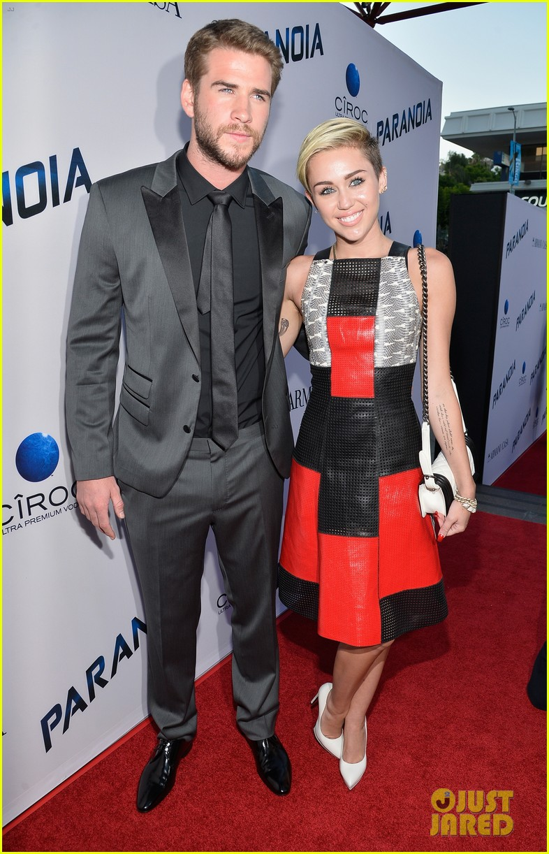 are miley cyrus and liam hemsworth married dad billy ray posts photo 05