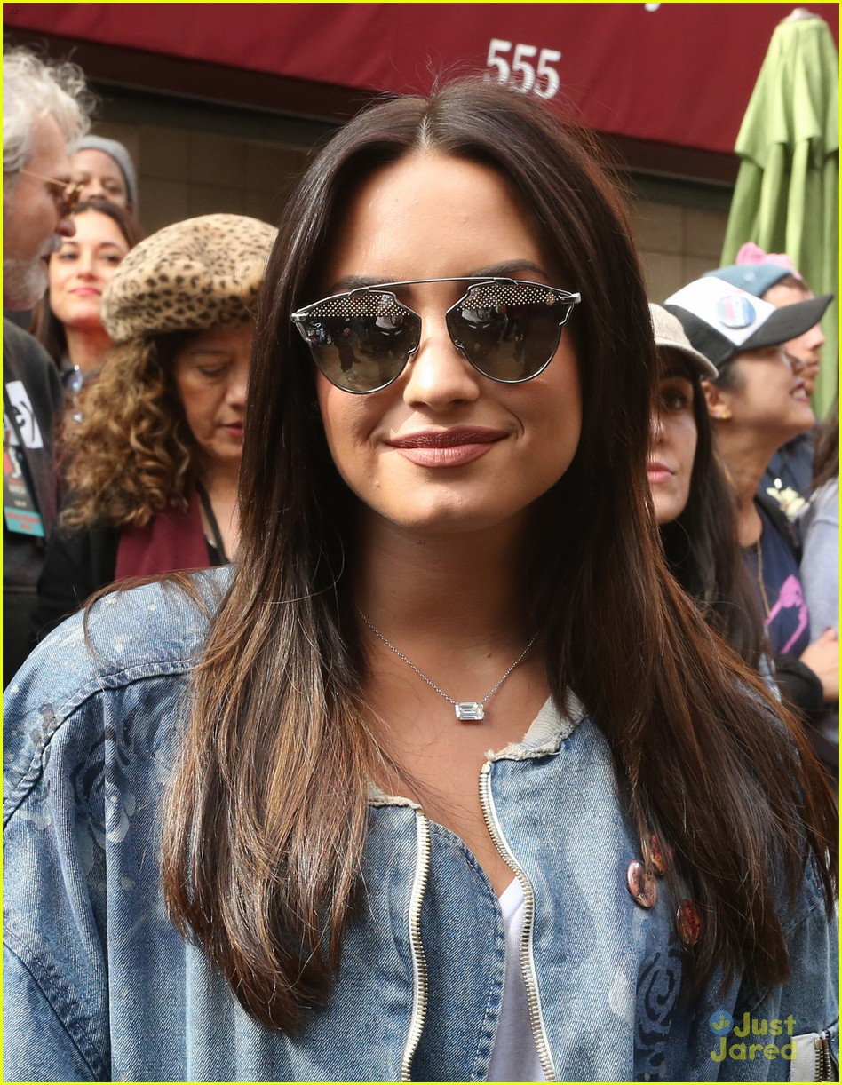 demi lovato on board camp rock reboot 01