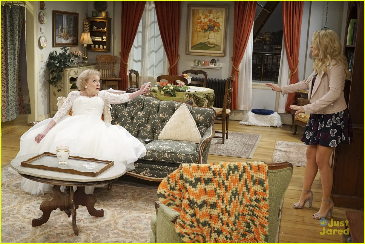 emily osment wedding dress episode betty white young hungry 26