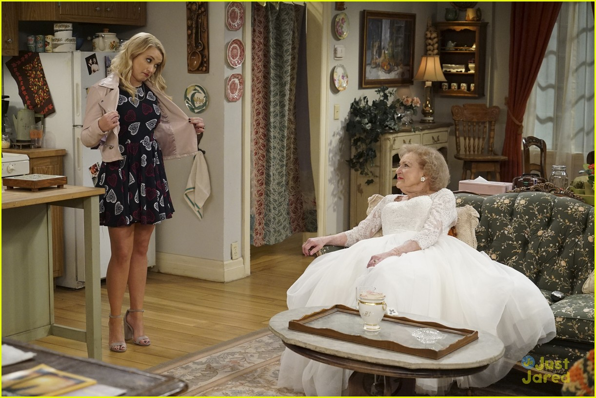 emily osment wedding dress episode betty white young hungry 32