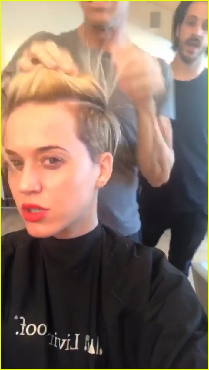 katy perry debuts new haircut 04