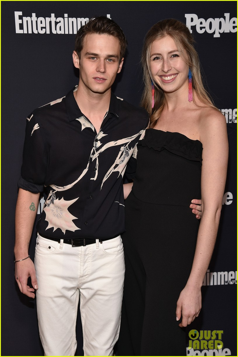 13 reasons why riverdale ew people upfronts party 02