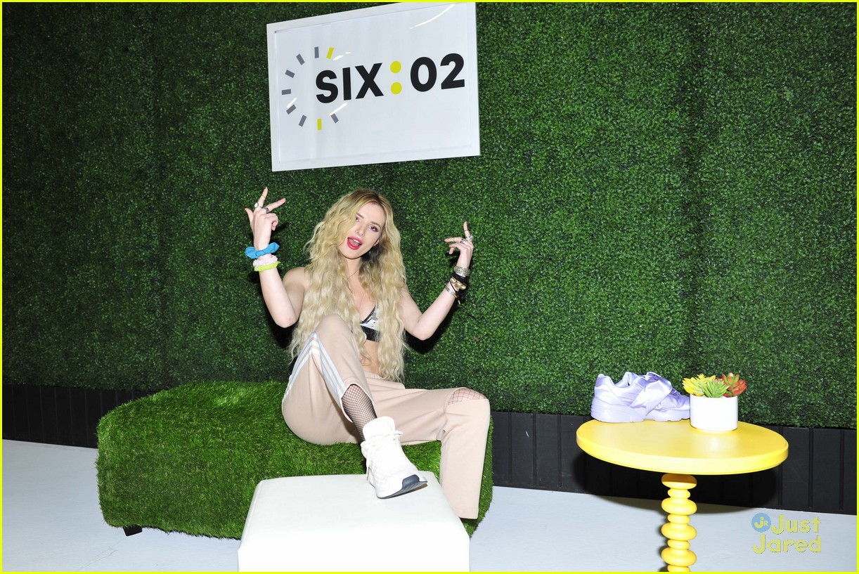 bella thorne six 02 launch event 02