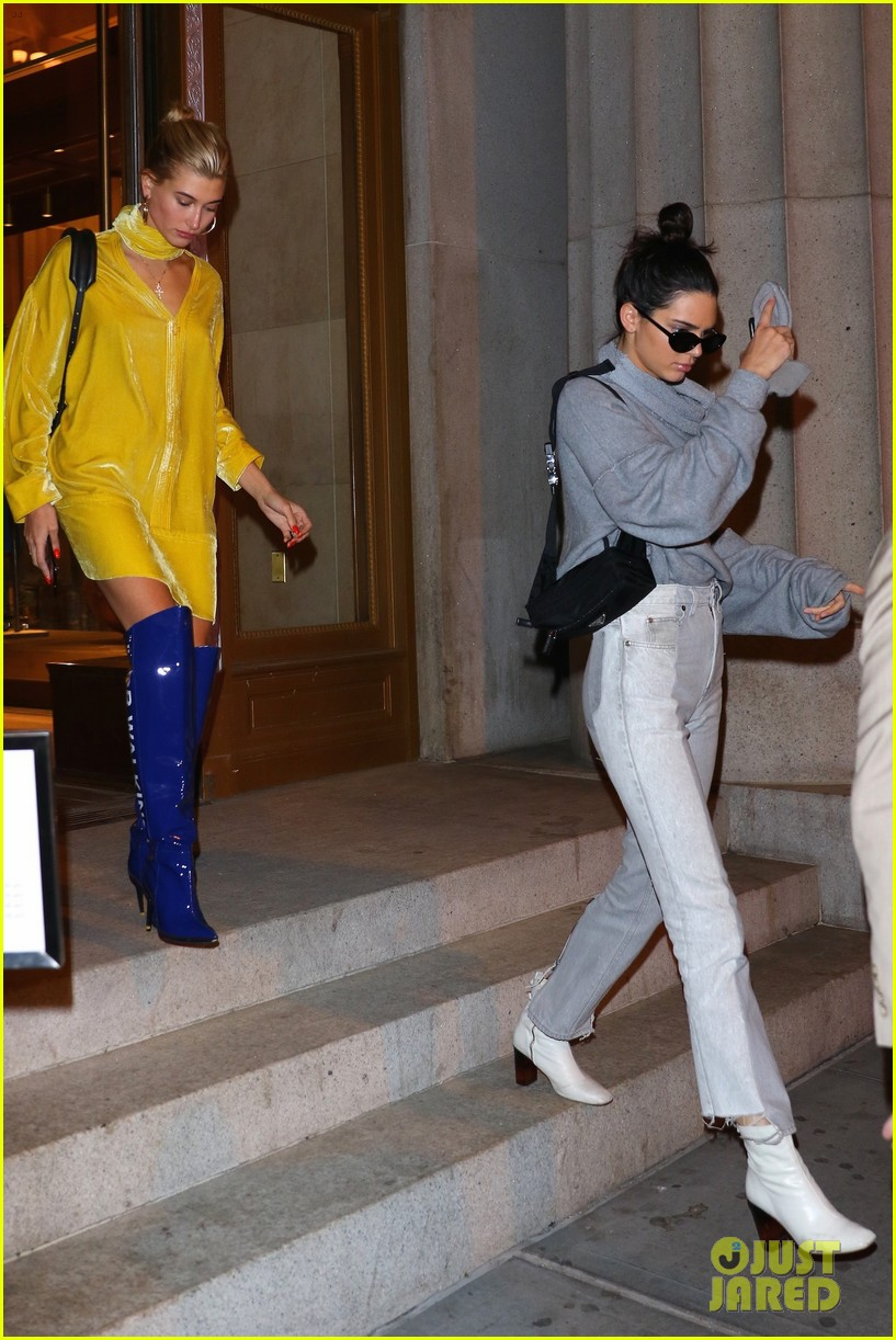 kendall jenner heads to dinner with gigi bella hadid05