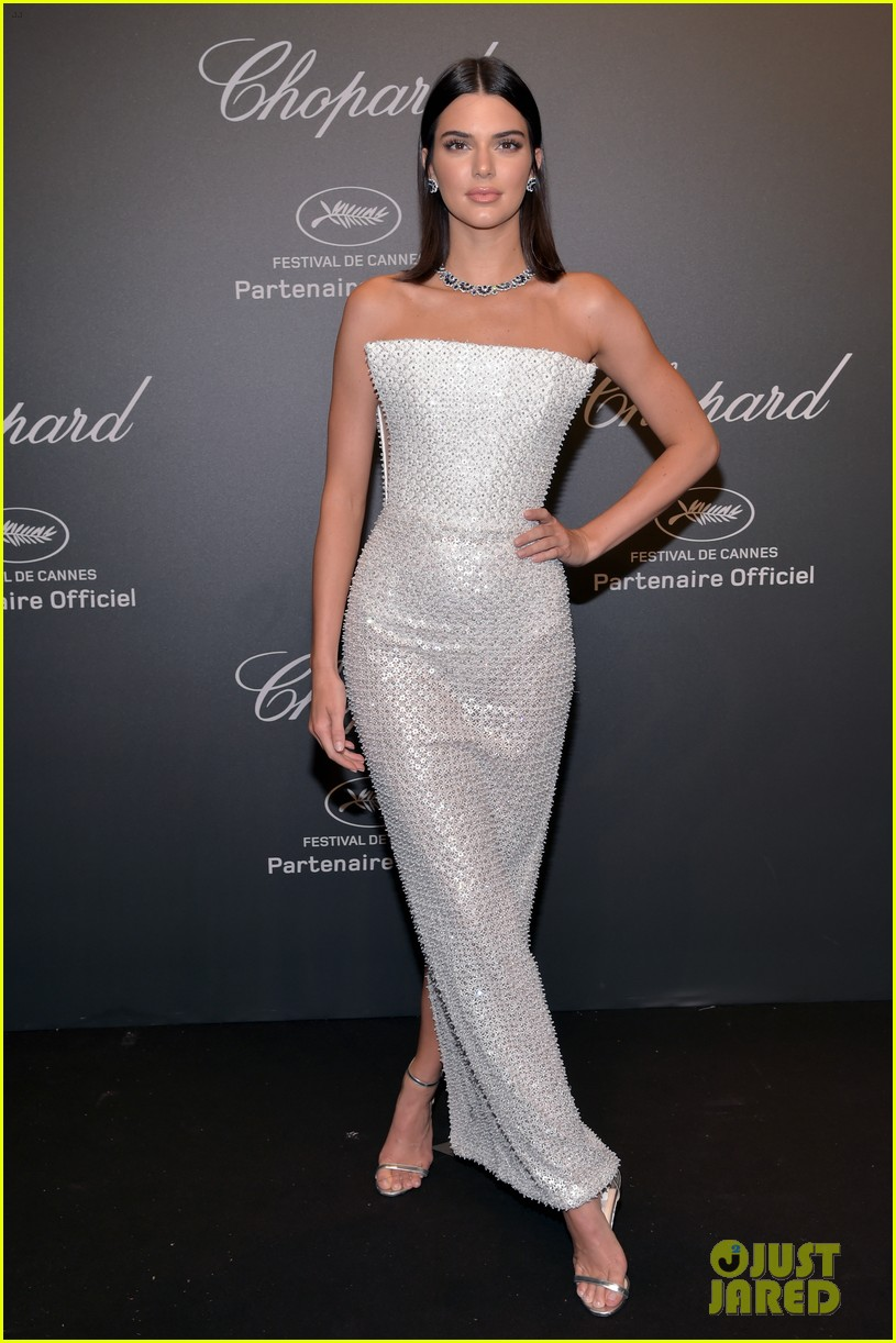 kendall jenner shines like a diamond at chopard space party 01