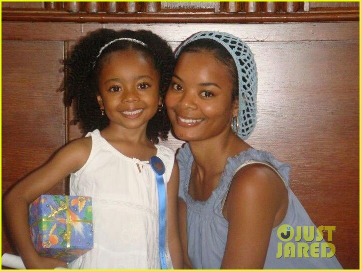 exclusive skai jackson writes sweet letter to mom for jjjs motehrs day series 04