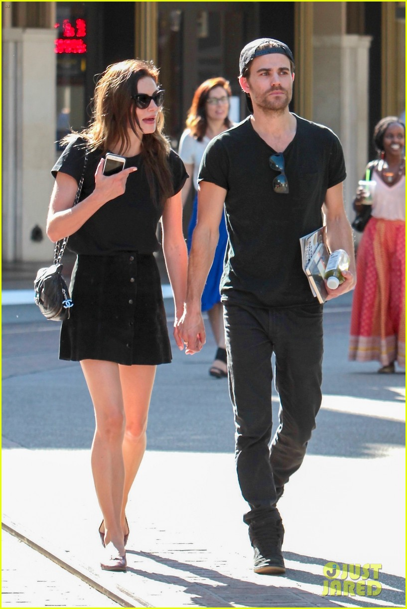Paul Wesley and his girlfriend, Phoebe Tonkin, hanging out together