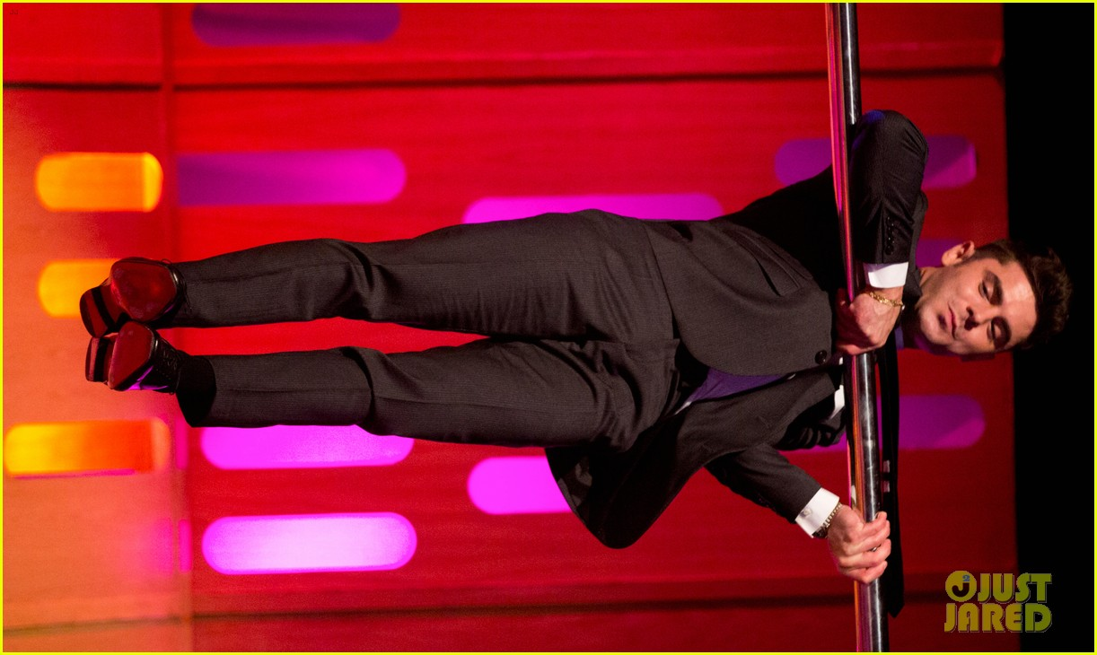 tom cruise calls zac efrons pole dancing skills perfect 04