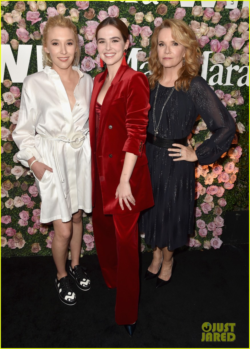 zoey deutch poses with mom lea thompson and sister madelyn at women in film event2 04
