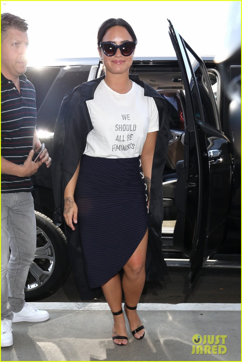 demi lovato joins natalie portman and jennifer lawrence in feminists t shirt trend 01
