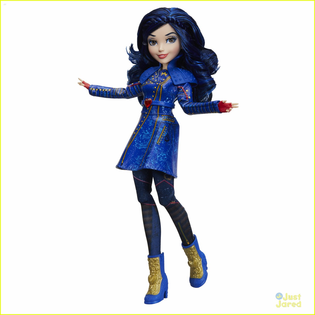 China Anne McClain Unboxes Her First 'Descendants 2' Uma ...