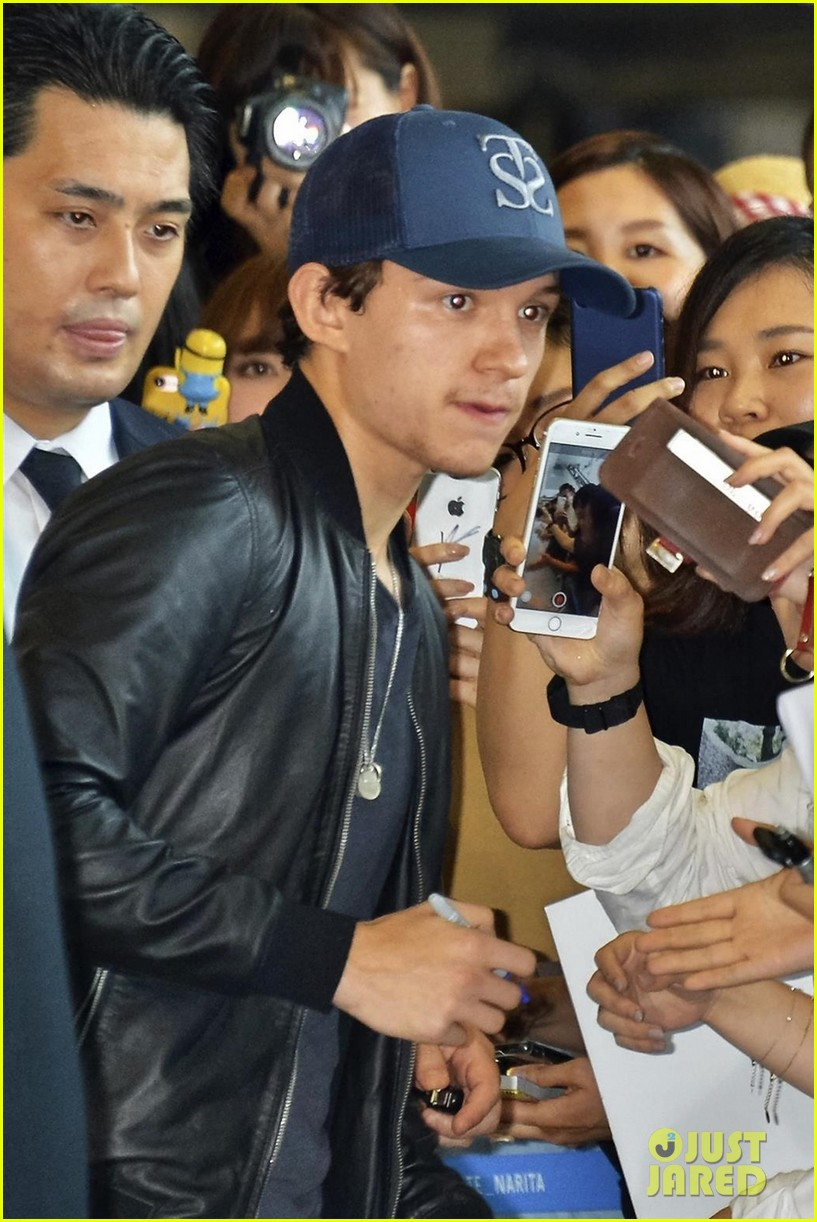 tom holland arrives in tokyo for spiderman promo tour 03