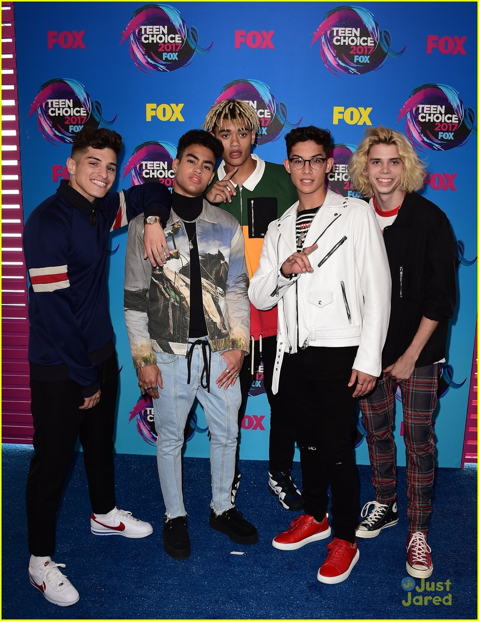 pretty much violet new hope teen choice awards 03