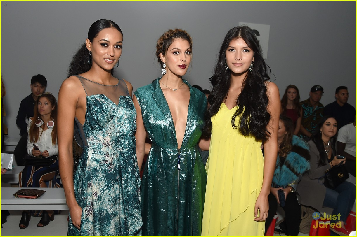 lili reinhart ginny gardner sophia dominguez nyfw weekend shows 03