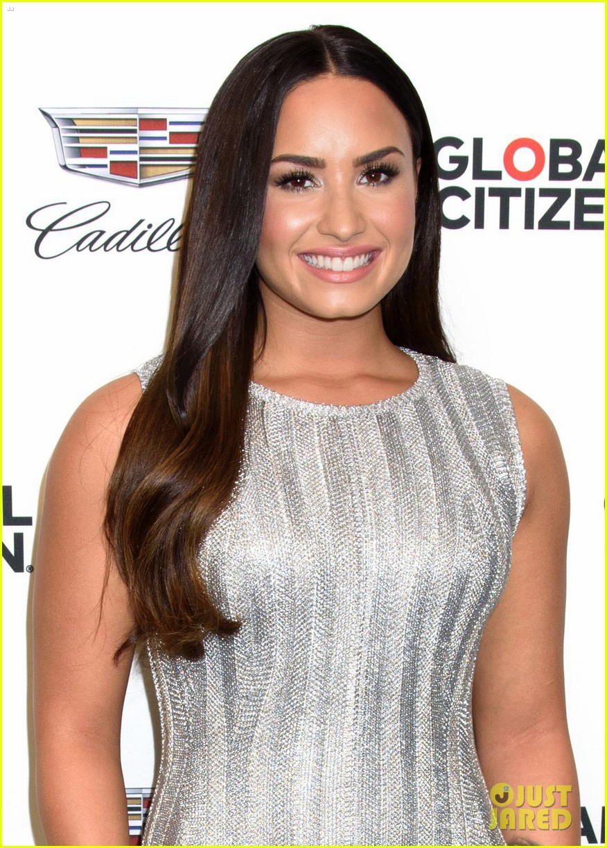 demi lovato dazzles at global citizen event in nyc 01
