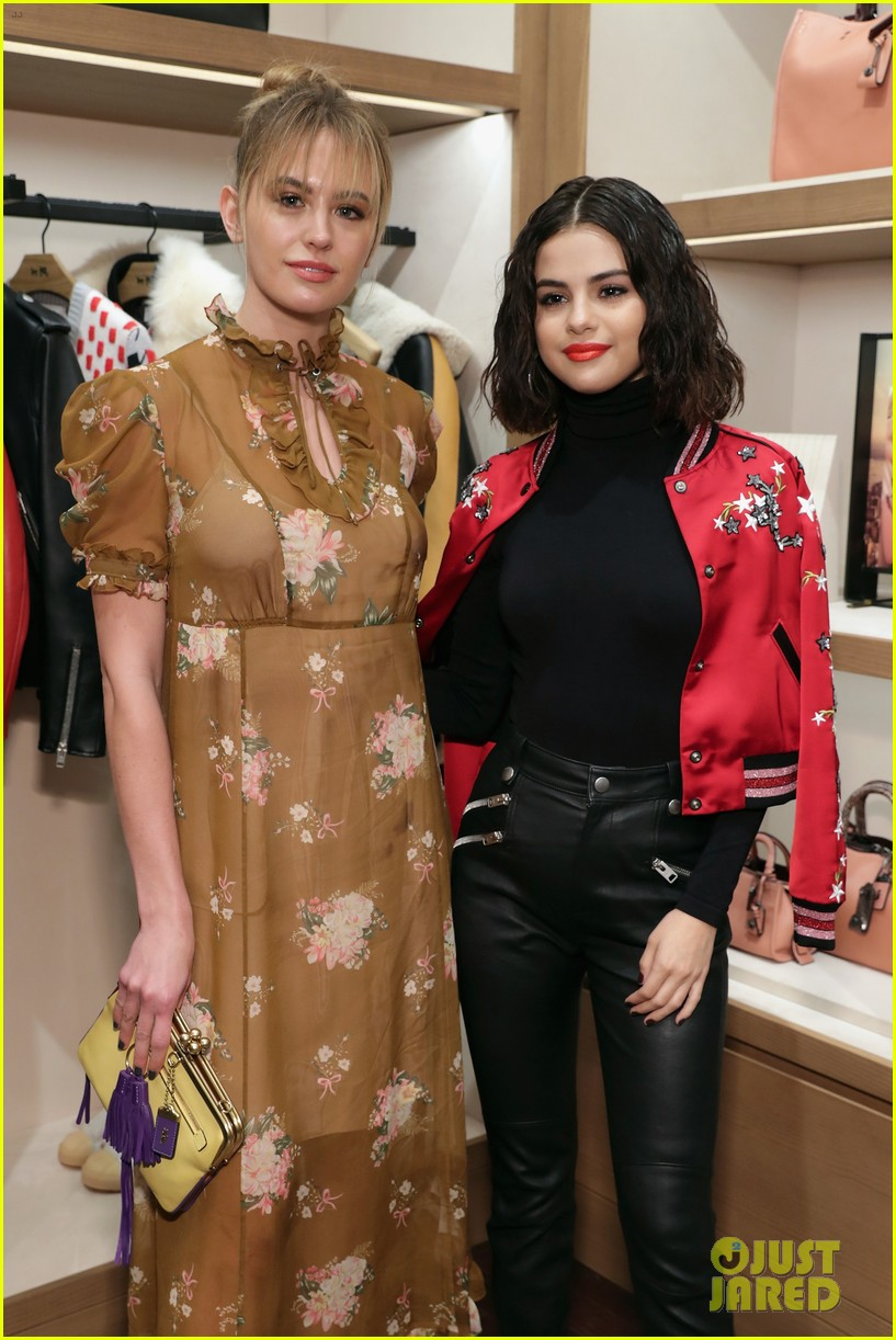selena gomez coach store appearance 02