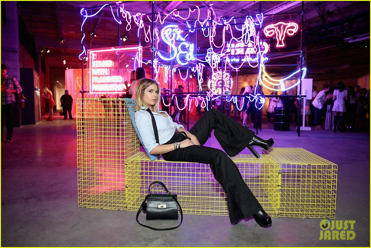 bella thorne emma roberts and ashley benson step out for 29rooms event 30