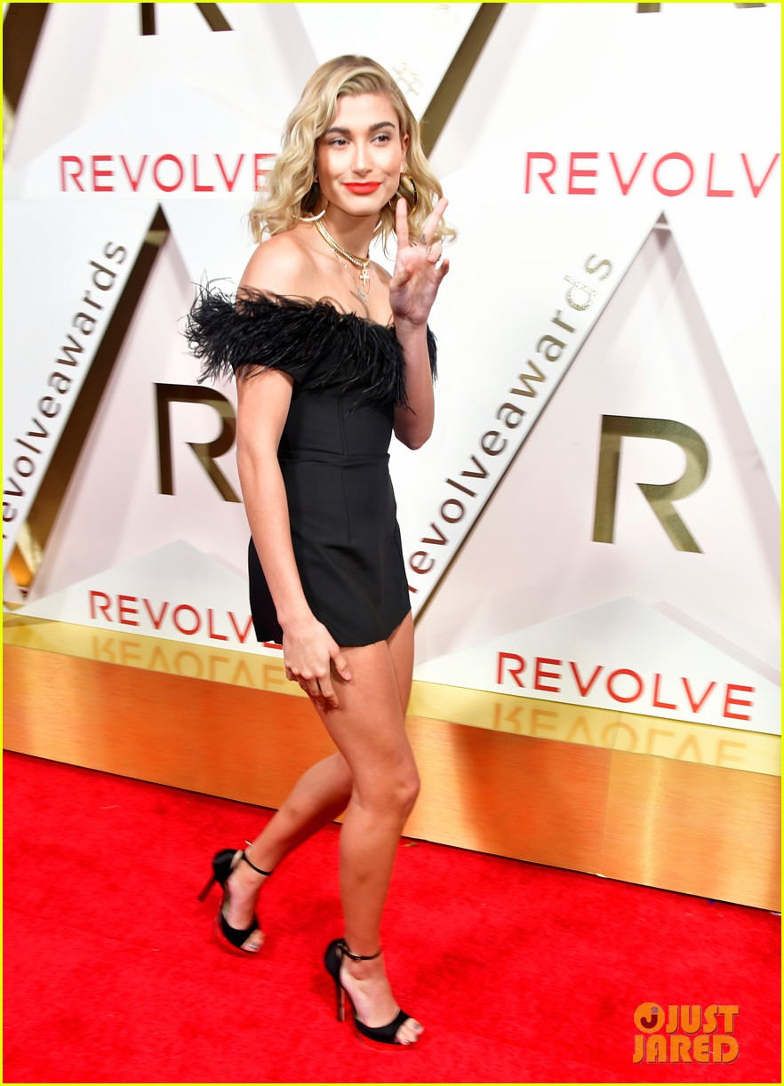 hailey baldwin and shay mitchell are beauties in black at revolve awards 2017 15