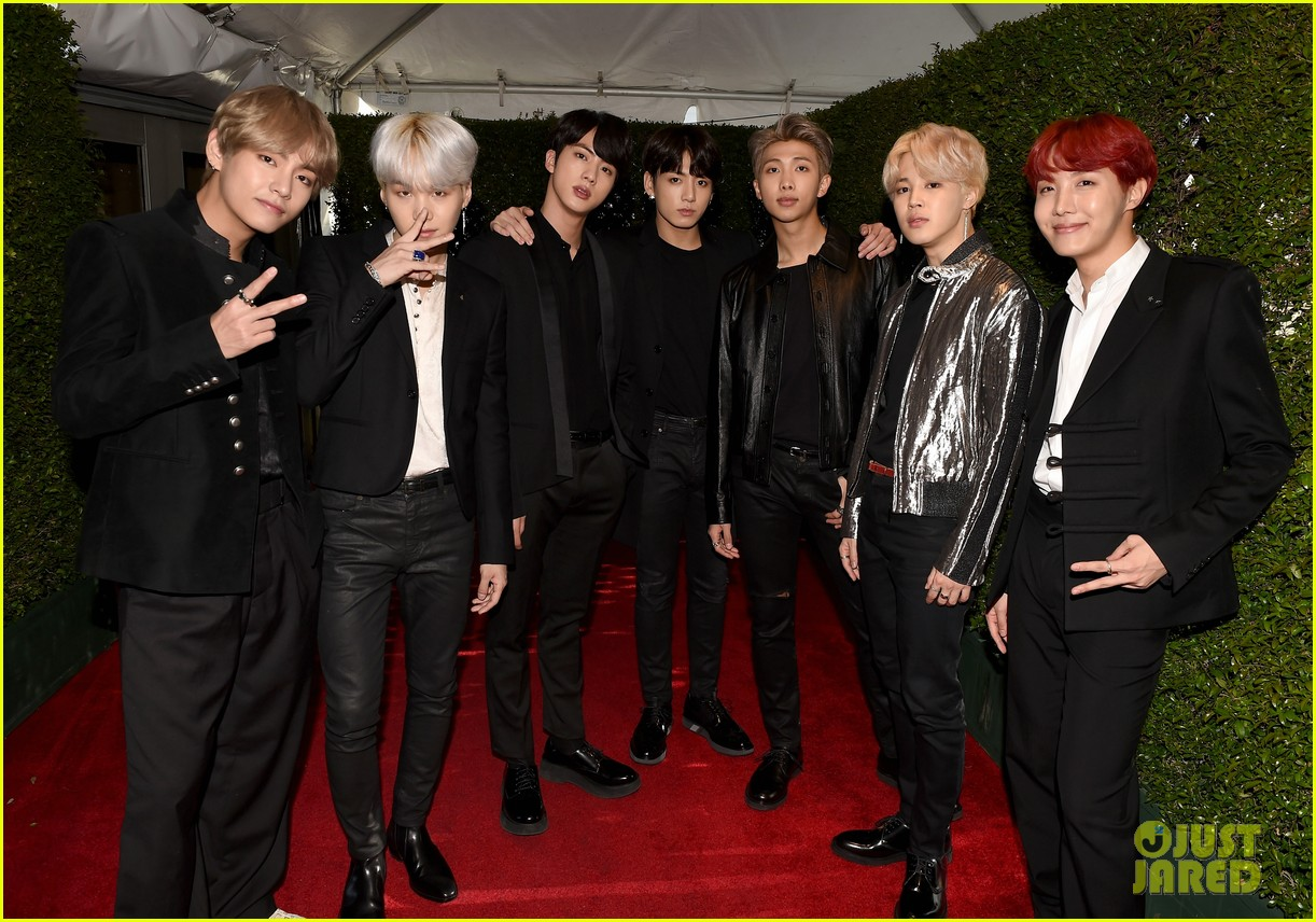 BTS Hit the Red Carpet at American Music Awards 2017 ...