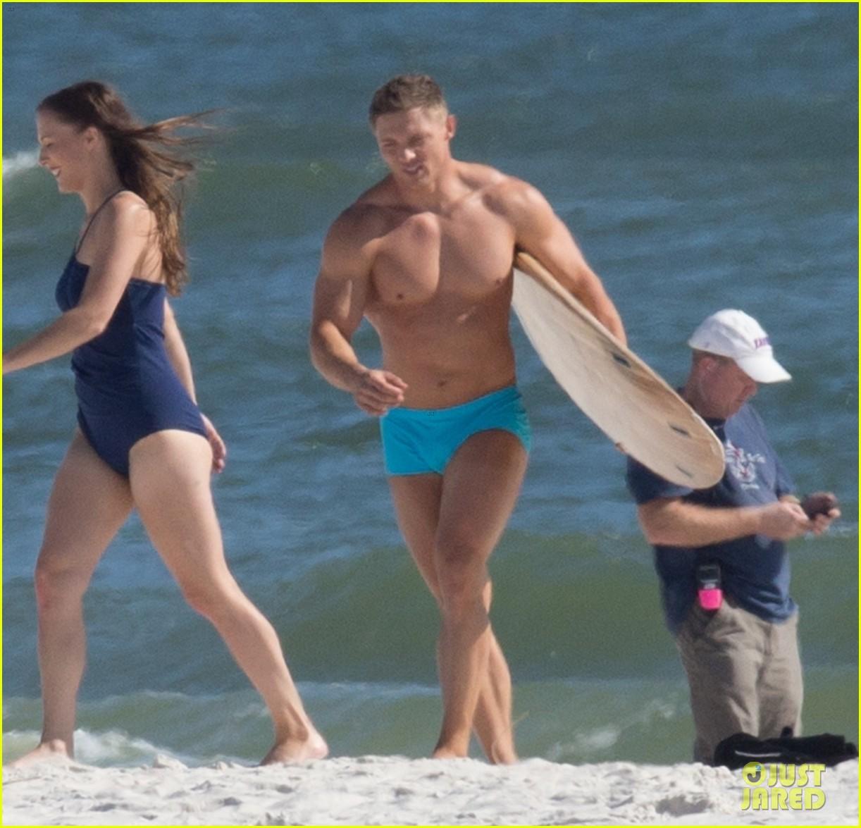 tyler hoechlin wears tiny swimsuit for bigger beach scene julianne hough 04