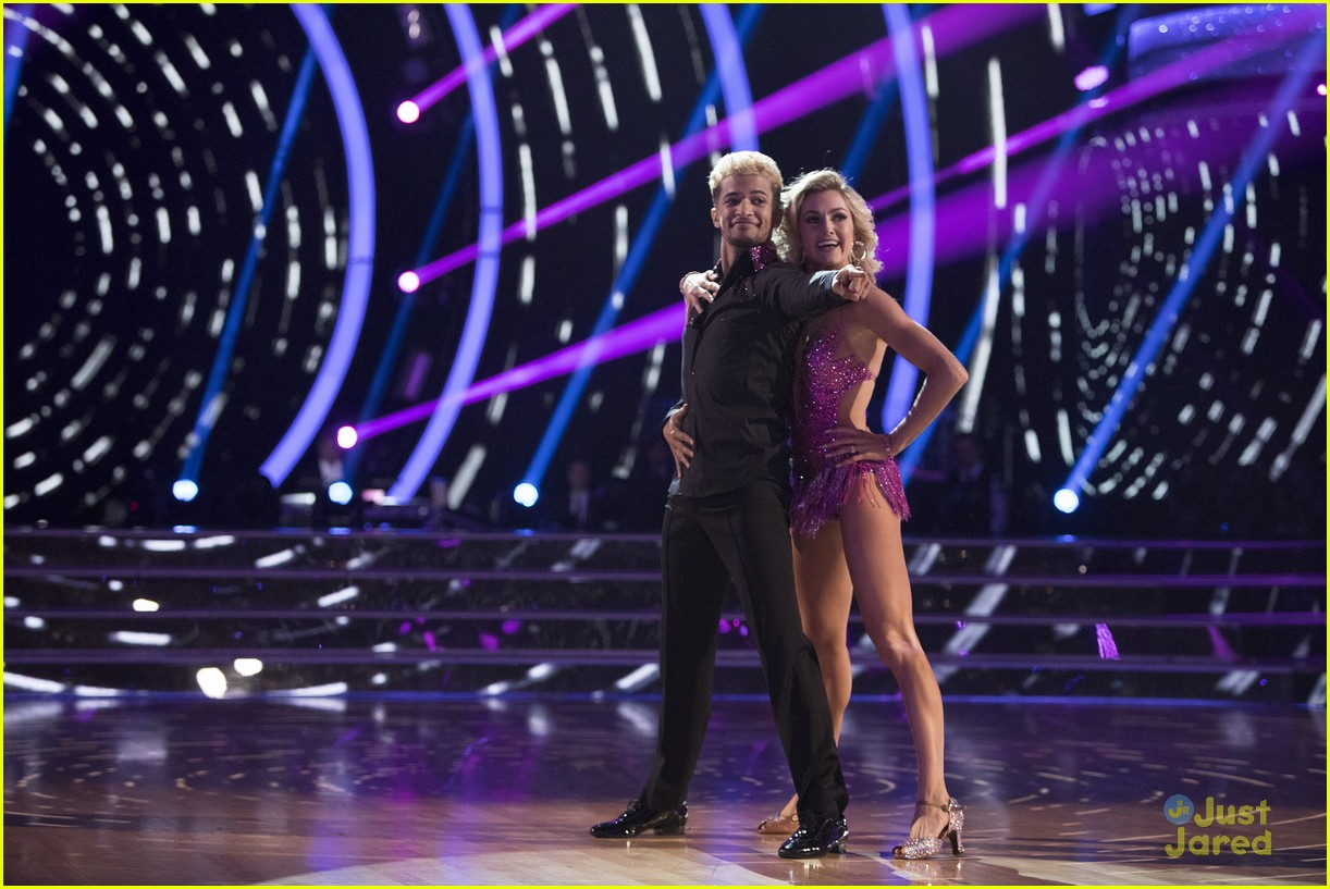 lindsay arnold win dwts25 pros praise comments 04