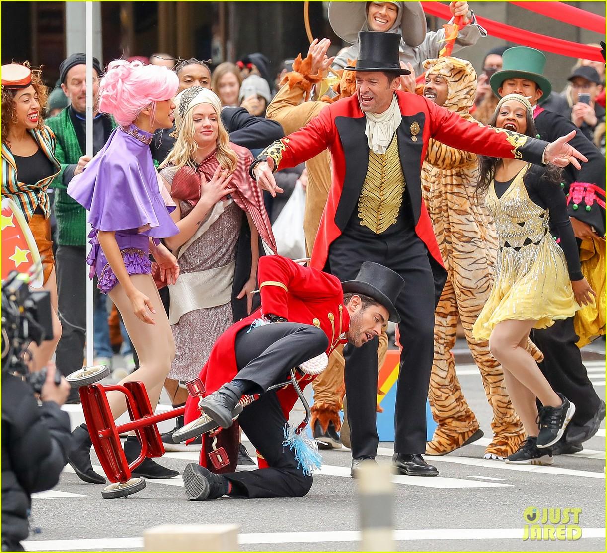 Zac Efron & Zendaya Promote 'The Greatest Showman' in ... Zac Efron Nyc